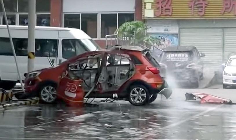Po wybuchu z auta zostało niewiele /
