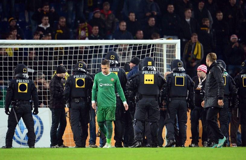 Po wydarzeniach w Hannoverze Dynamo zostało wykluczone z Pucharu Niemiec /AFP