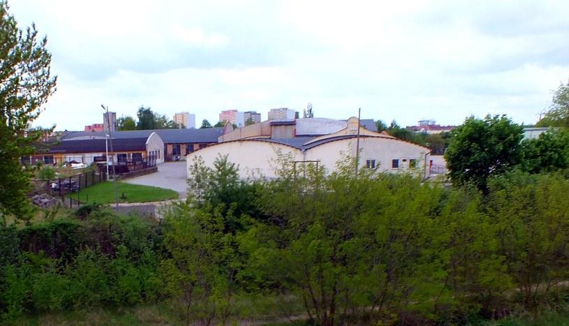 Po zakładach Huberta Landa do dzisiaj zachowały się dawne hale produkcyjne /Wrzesiński /Odkrywca