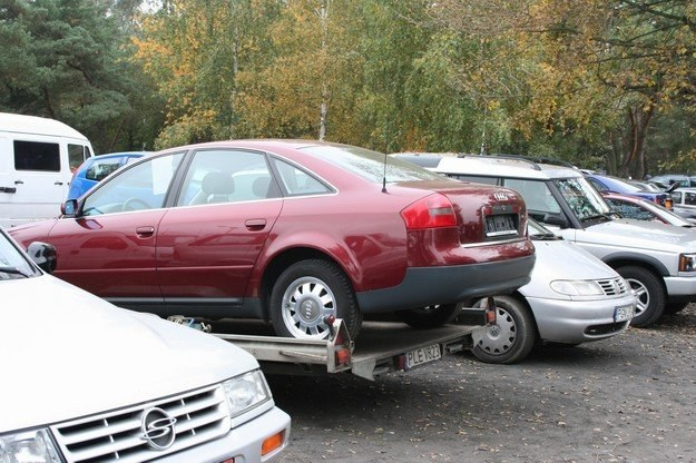 Po załamaniu wzrasta import samochodów używanych /INTERIA.PL