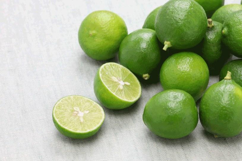 Po zastosowaniu limonki na skórę nigdy nie wystawiaj się na słońce /123RF/PICSEL