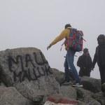Pobazgrali skały na Świnicy, później wzywali TOPR na pomoc?