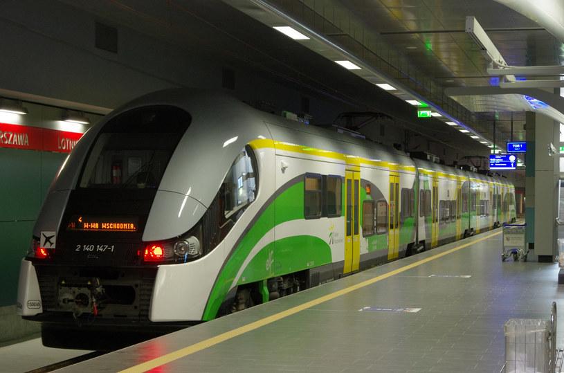 Pociąg krąży nocą po Warszawie, pasażerowie nie mogą wyjść (zdj. ilustracyjne) /Marek Bazak /East News