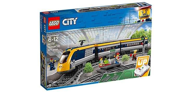 Pociąg pasażerski z serii LEGO® City - jeden z zestawów korzystających z aplikacji Powered Up /materiały prasowe