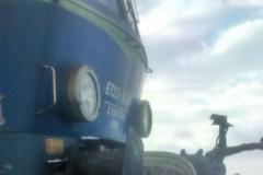 Pociąg towarowy uderzył w ciągnik