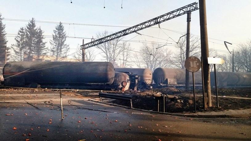 Pociąg wykoleił się i eksplodował /PAP/EPA