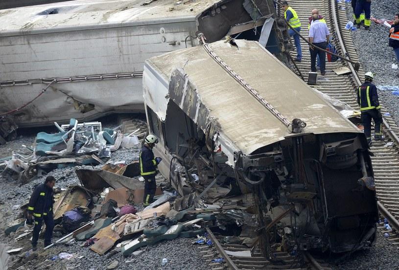 Pociąg wykoleił się w środę wieczorem pod Santiago de Compostela. /AFP