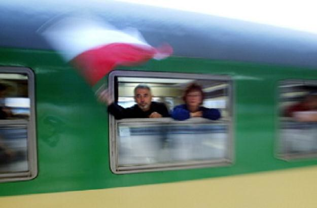 Pociągi na CMK będą mogły jeździć z prędkością 200 km/godz. /AFP