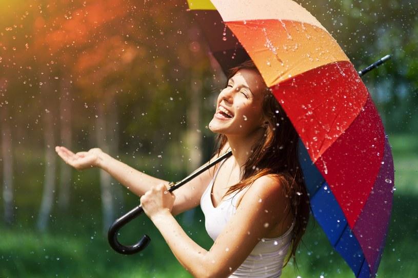 Początek maja przyniesie sporo deszczu /123RF/PICSEL