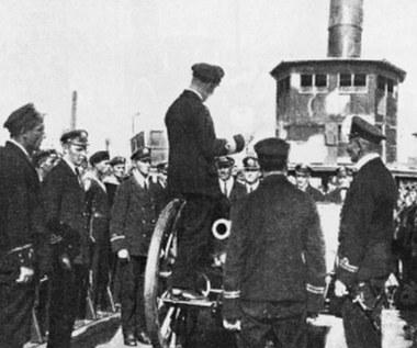 Początki Marynarki Wojennej RP. Bunty, pijaństwo i biało-czerwona