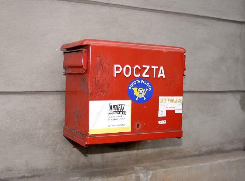 Poczta Polska traci na prowadzeniu tzw. usługi powszechnej /123RF/PICSEL