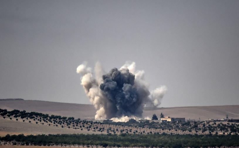 Pod kolumną pojazdów eksplodował zdalnie odpalany ładunek wybuchowy (zdjęcie ilustracyjne) /AFP