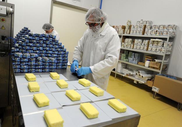 Pod koniec roku masło znowu zdrożeje. Sytuacja z zeszłego roku może się powtórzyć /AFP