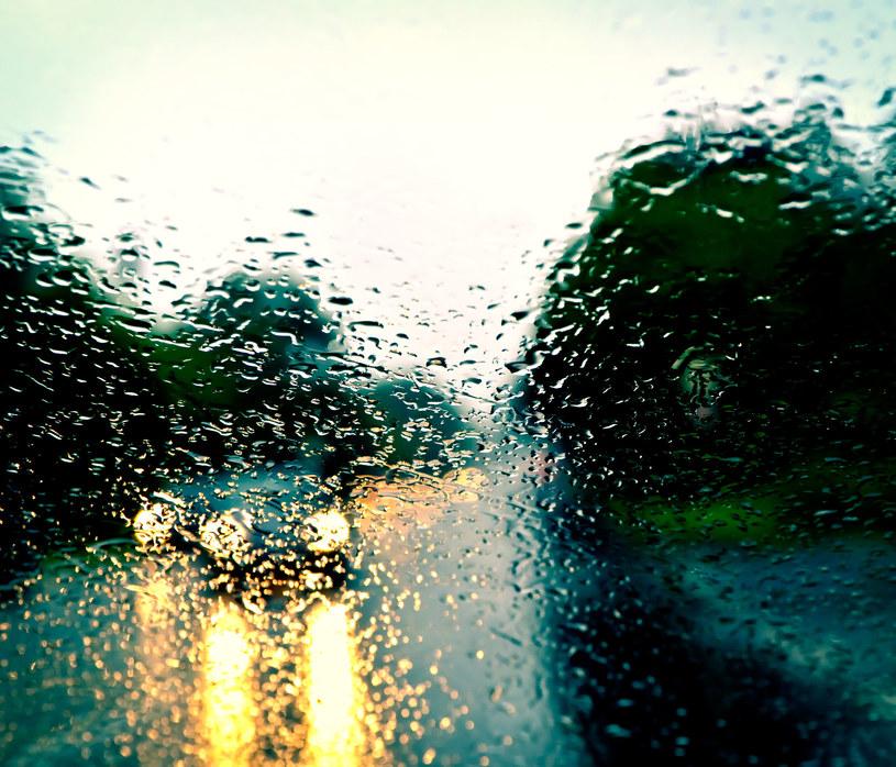 Pod koniec tygodnia będzie intensywnie padać /123RF/PICSEL
