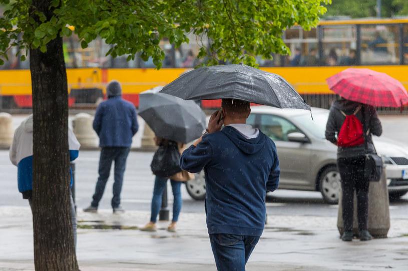Pod koniec tygodnia deszcz i spadek temperatury; zdj. ilustracyjne /ARKADIUSZ ZIOLEK/East News /East News