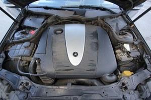 Pod maską opisywanego egzemplarza – czterocylindrowy diesel. jest mocny, trwały ale podczas przyspieszania nieco za głośny. /Motor