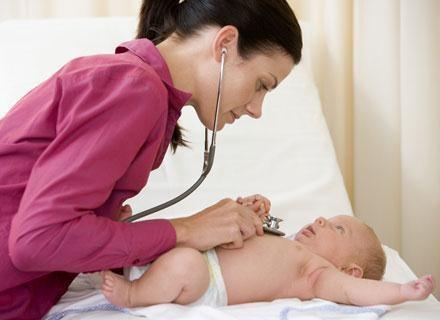 Podanie dziecku szczepionki jest trudnym przeżyciem także dla ciebie /© Panthermedia