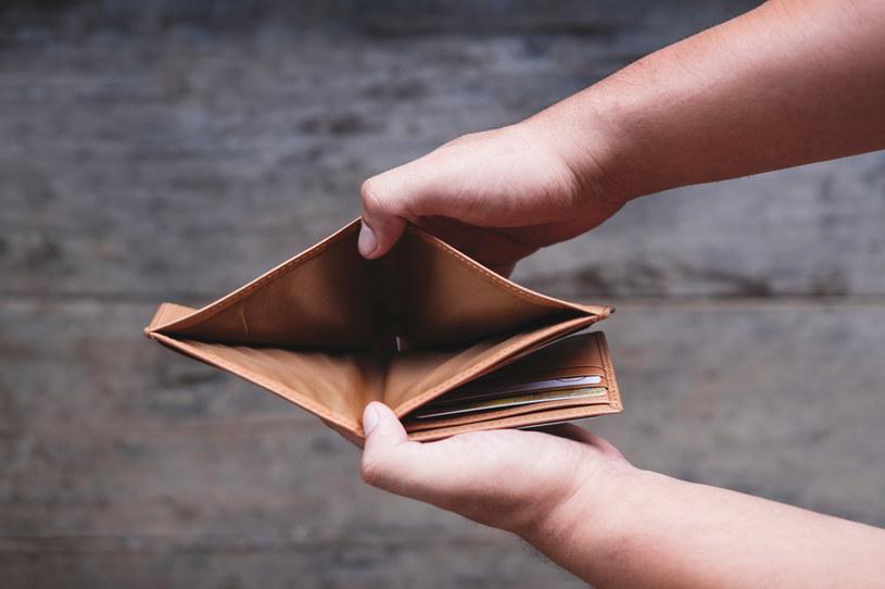 Podatek inflacyjny bije nas po kieszeni /123RF/PICSEL