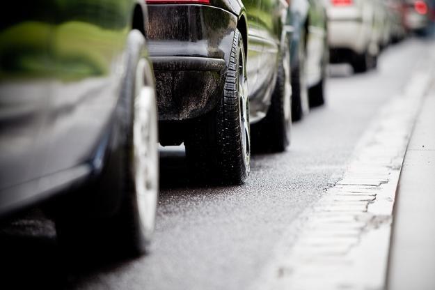 Podatnicy uciekają z autami z Polski za granicę /© Panthermedia