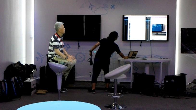 Podczas demonstracji nawiązano holograficzne połączenie wideo /materiały prasowe