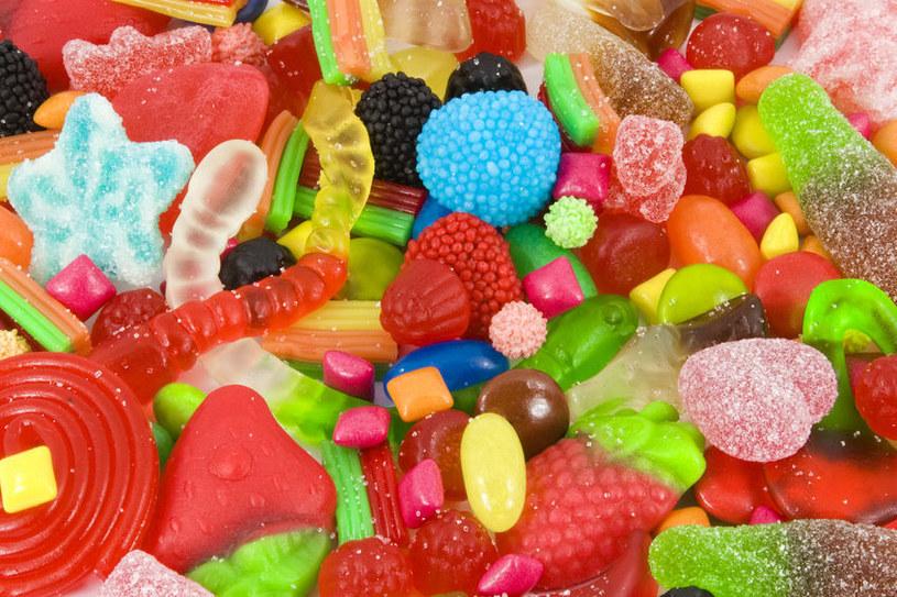 Podczas diety rozdzielnej słodycze są zakazane /123RF/PICSEL