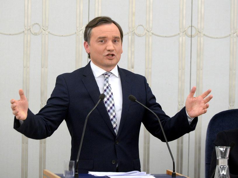 Podczas dyskusji nad nowelą w Senacie, zmian bronił minister sprawiedliwości Zbigniew Ziobro /Jan Bielecki /East News