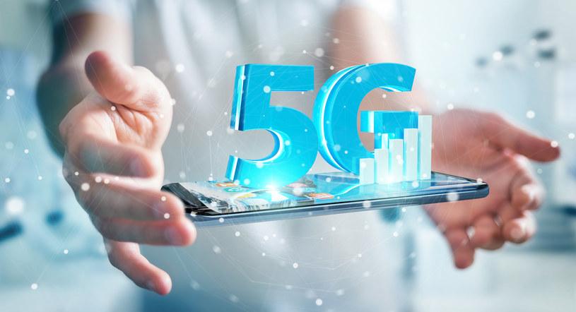 Podczas Earth Festival 2021 w Uniejowie będzie można przetestować najnowsze smartfony 5G /123RF/PICSEL
