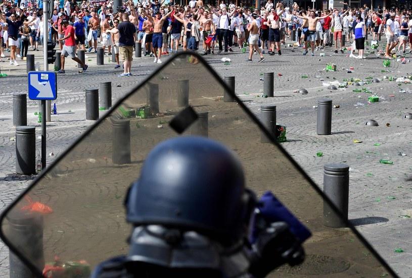 Podczas Euro 2016 doszło do awantur między rosyjskimi i angielskimi kibicami /AFP