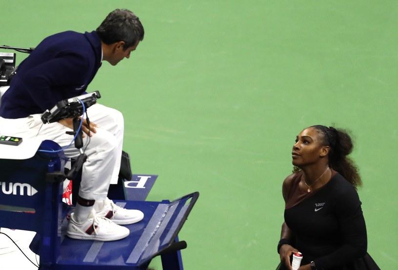 Podczas finału US Open doszło do kłótni Sereny Williams z sędzią /AFP