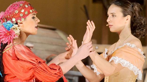 Podczas kilku miesięcy wyczerpujących prób Anna Czartoryska i Julia Kamińska zaprzyjaźniły się ze sobą i są pewne, że to, co już od soboty prezentować będą na scenie, spodoba się widzom. /Agencja W. Impact