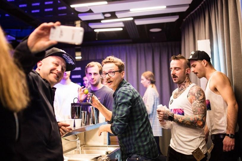 Podczas konkursu Shake it Up, jury składające się z ekspertów, konsumentów oraz mediów, oceniało przygotowywanie koktajli, pomysłowe łącznie smaków i składników /materiały prasowe