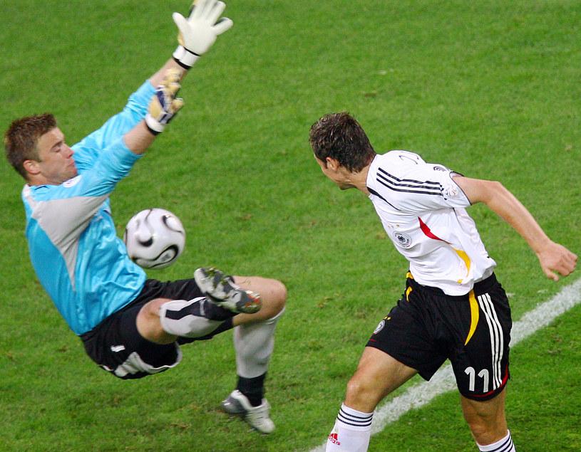 Podczas mundialu 2006 sposobu na Artura Boruca nie mógł znaleźć między innymi Miroslav Klose /AFP