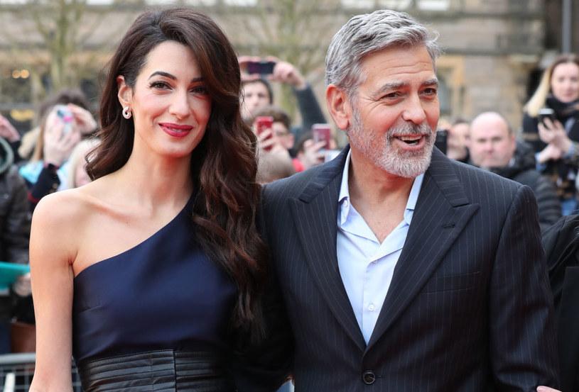 Podczas niedawnej gali Amerykańskiego Instytutu Filmowego Amal opowiedziała historię ich związku. Wzruszyła George'a i salę pełną hollywoodzkich sław /Getty Images