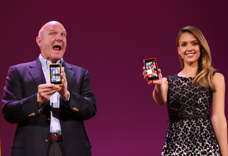 Podczas premiery nowych smartfonów pojawiła się Jessica Alba /AFP