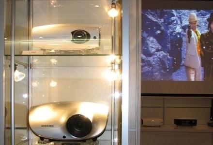 Podczas prezentacji w Wiedniu nie zabrakło całej gamy projektorów /INTERIA.PL