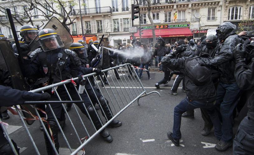 Podczas protestów doszło do zamieszek /PAP/EPA