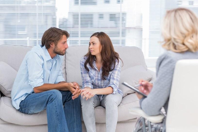 Podczas psychoterapii przede wszystkim uczymy się troski o siebie i innych /123RF/PICSEL