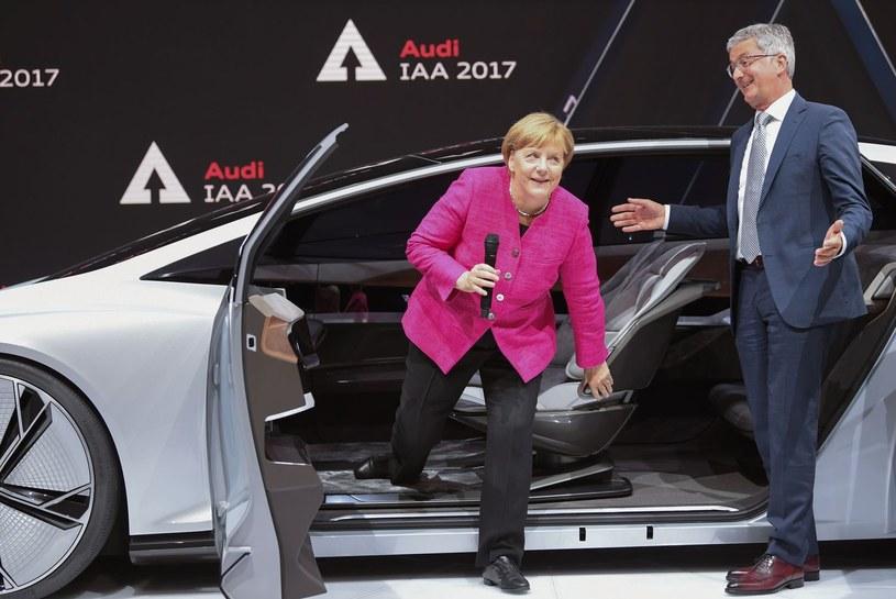 Podczas salonu we Frankfurcie Icona oglądała kanclerz Merkel /AFP