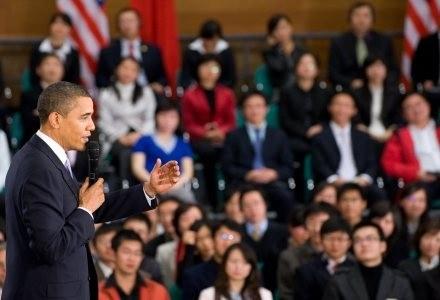 Podczas spotkania z chińskimi studentami, Obama opowiedział się za wolnością internetu /AFP