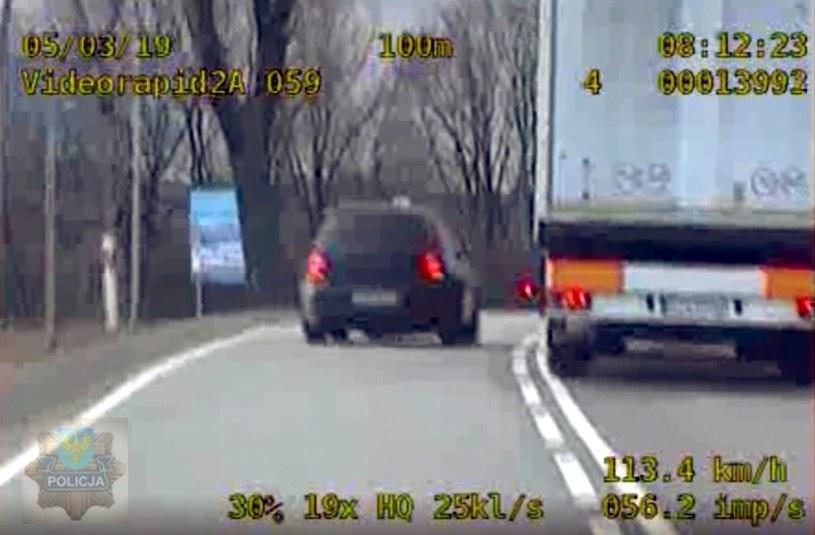 Podczas ucieczki kierowca łamał wszystkie możliwe przepisy /Policja