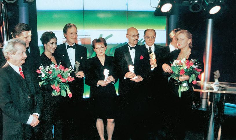 Podczas uroczystości w Hotelu Marriott pozował do pamiątkowego zdjęcia z innymi laureatami historycznych, pierwszych Telekamer /Tele Tydzień