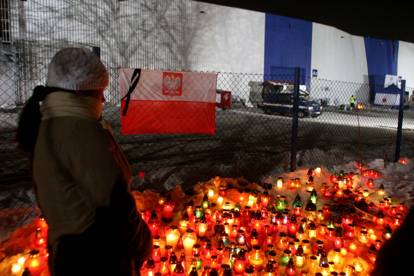 Podczas wystawy gołębi zawalił się dach hali wystawowej zginęło ponad 60 osób /Darek Redos /Reporter