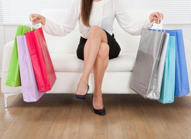 Podczas zakupów zadaj sobie pytanie: czy naprawdę tego potrzebuję? /123RF/PICSEL