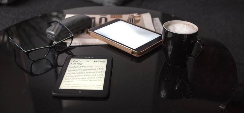 Podczas zakupu trzeba jednak zwrócić uwagę na technologię e-papieru /materiały prasowe