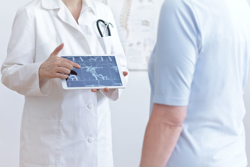 Poddanie się terapii zaleca się m.in. osobom cierpiącym na chorobę wieńcową /123RF/PICSEL