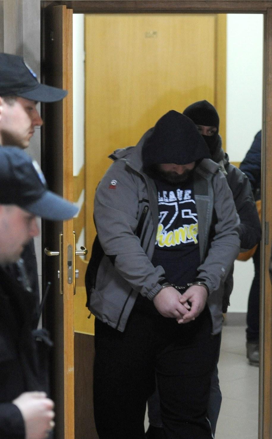 Podejrzany ks. Wojciech G. w drodze na posiedzenie aresztowe /Bartłomiej Zborowski /PAP