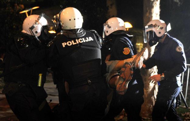 Podgorica: Policja i opozycyjny aktywista /AFP