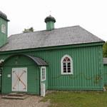 Podlaskie: Nieznani sprawcy namalowali napisy na meczecie i mizarze w Kruszynianach