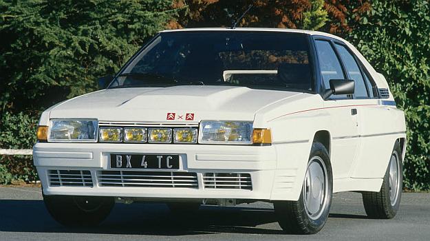 Podłużne usytuowanie silnika uniemożliwia uzyskanie poprawnego pod względem aerodynamicznym kształtu przedniej części samochodu. /Citroen
