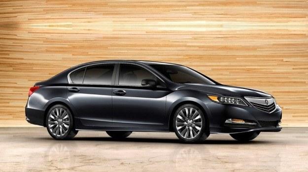 Podobnie jak mniejszy model TL, Acura RLX jest sedan udającym liftbacka. Auto jest o około 125 kg lżejsze od poprzednika, a przy tym ma oferować najbardziej przestronną kabinę w klasie. /Acura